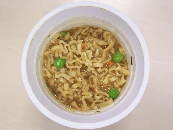 Pot_Noodle_Chow_Mein-3