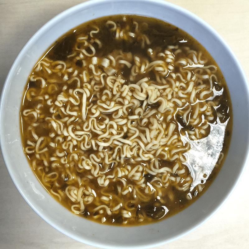 """#304: Unif 100 Instant Noodles """"Artificial Beef with Sauerkraut Flavour"""""""