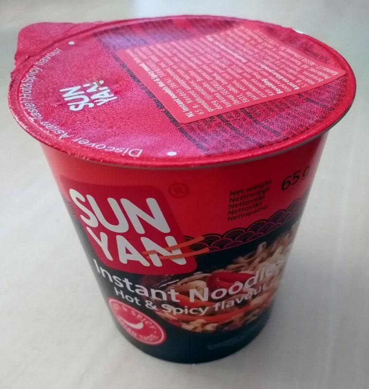"#1312: Sun Yan Instant Noodles ""Hot & Spicy Flavour"" Cup"
