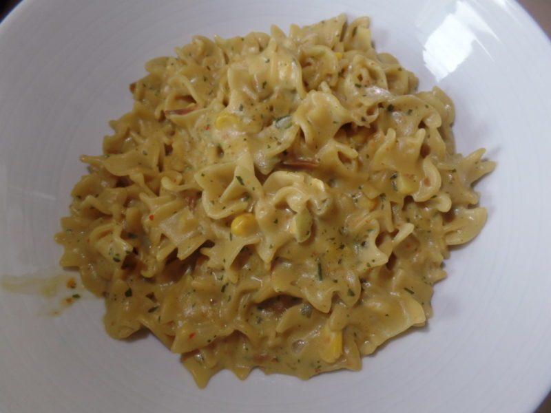 """#1367: American """"Roasted Onions & Sweet Corn"""" (Nudelgericht mit Zwiebeln und Mais)"""