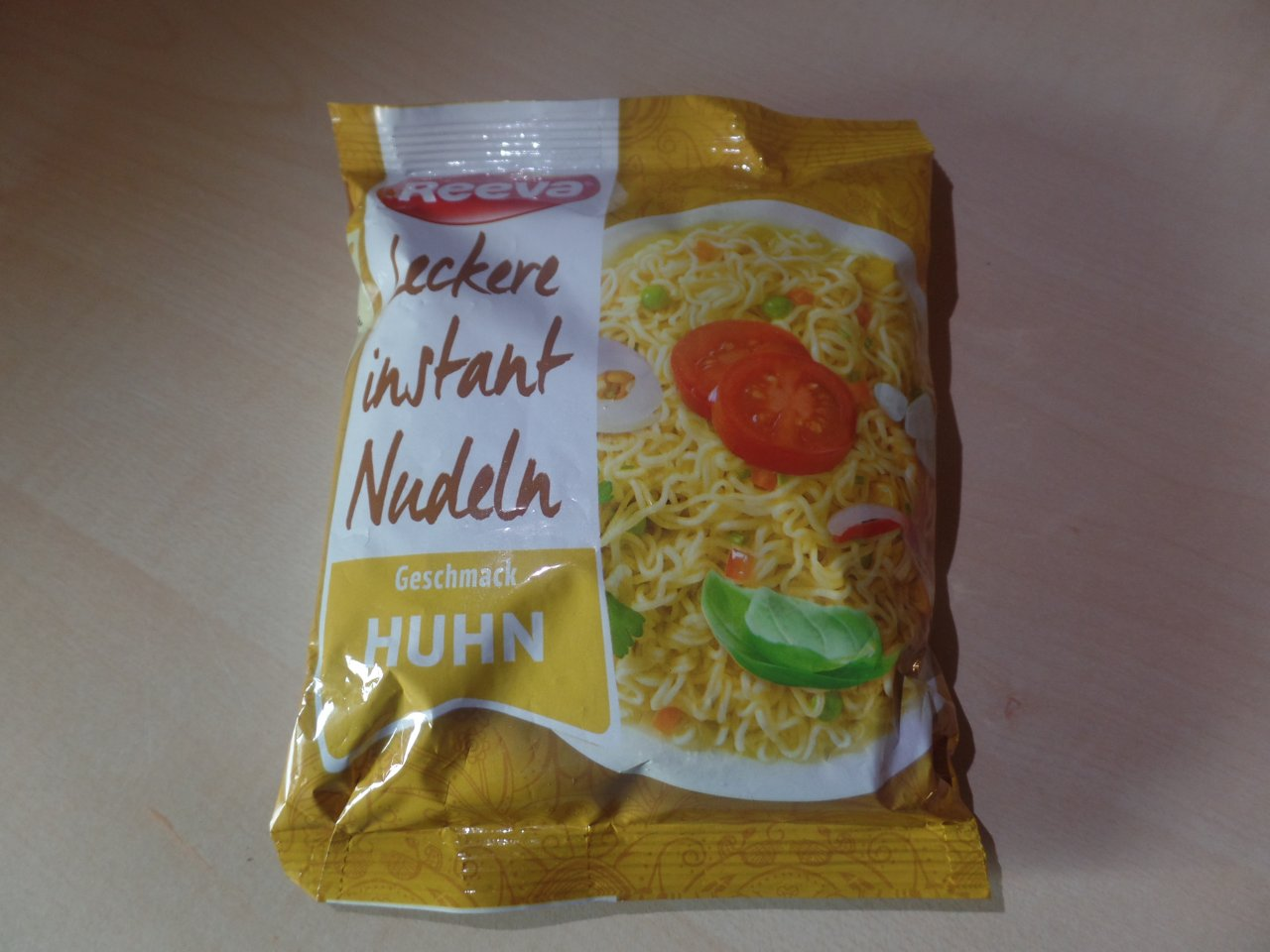 "#1521: Reeva ""Leckere Instant Nudeln Geschmack Huhn"""
